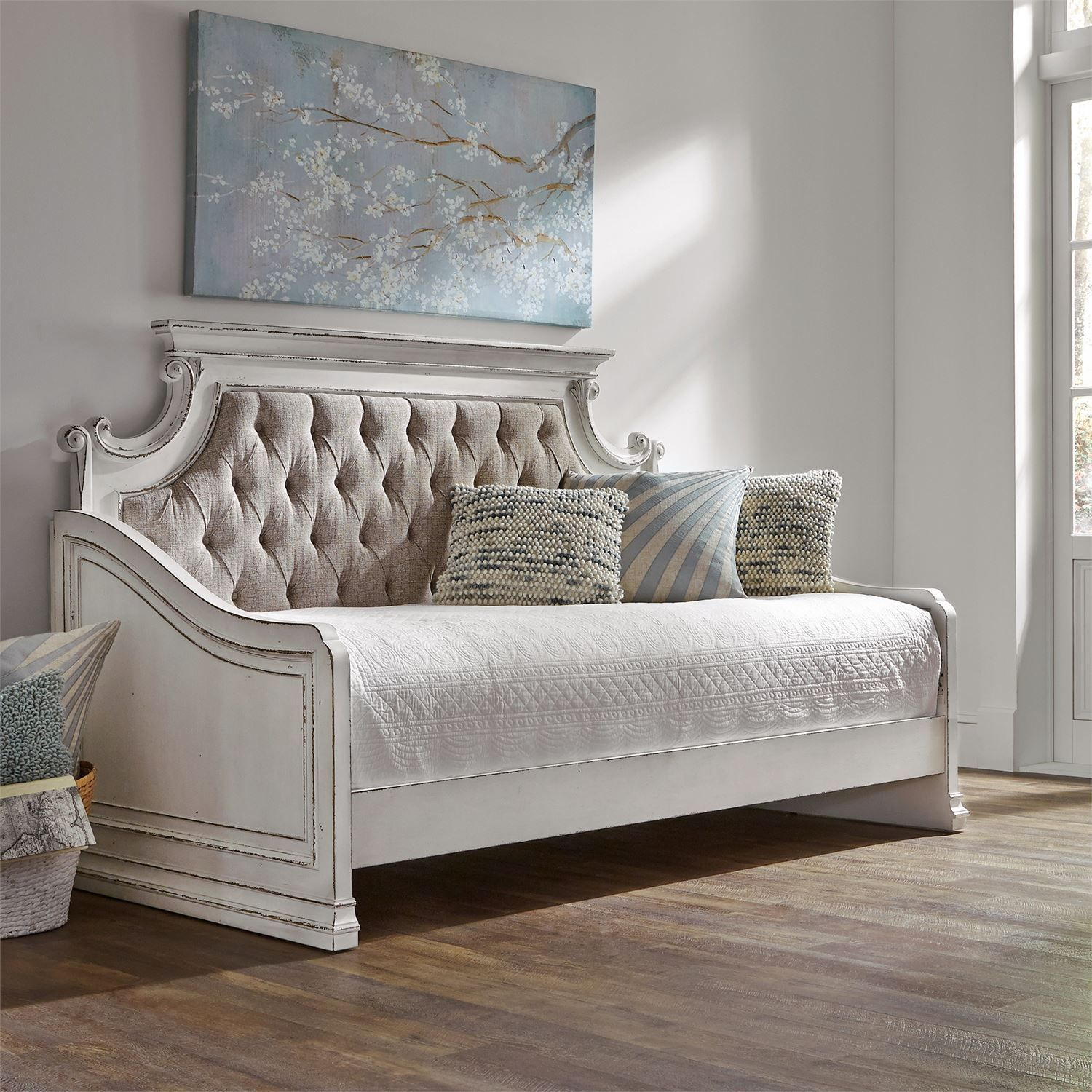 Liberty Magnolia Manor Antique White Twin Daybed