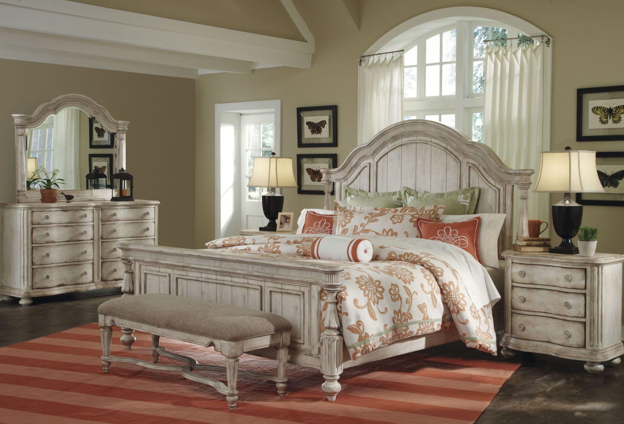 Belmar Antique Linen Panel Bedroom Set