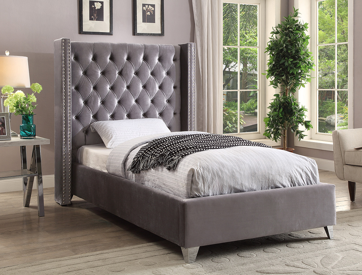 Meridian Meridian Furniture Aiden Velvet Twin Bed In Grey