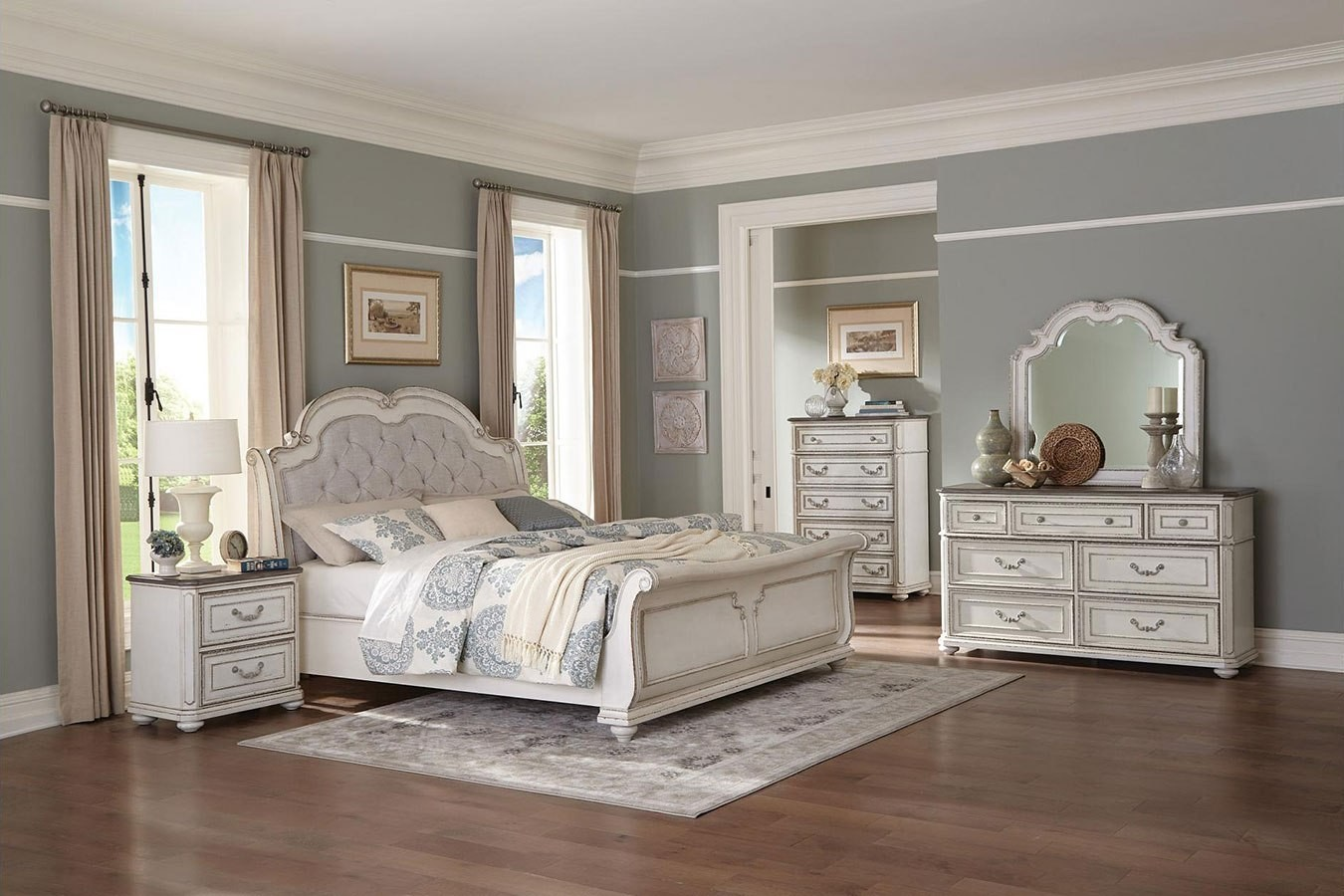 willowick lightly distressed sleigh bedroom set