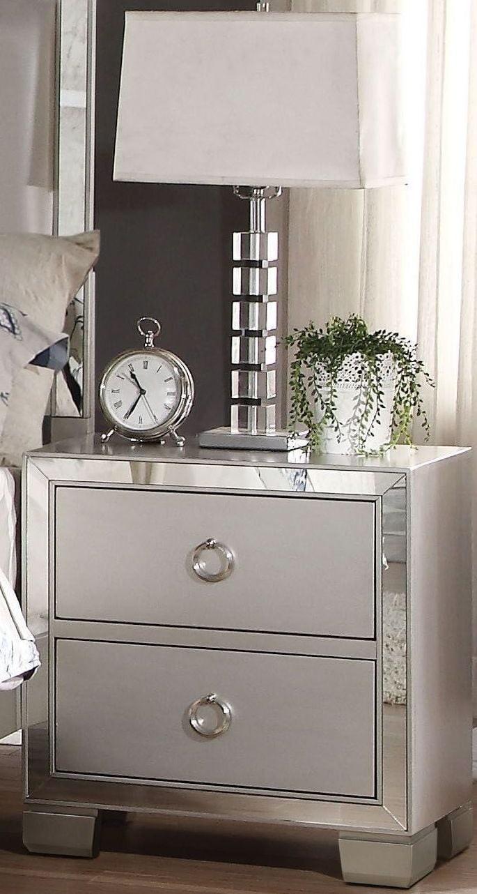voeville ii matte gold platinum upholstered bedroom set