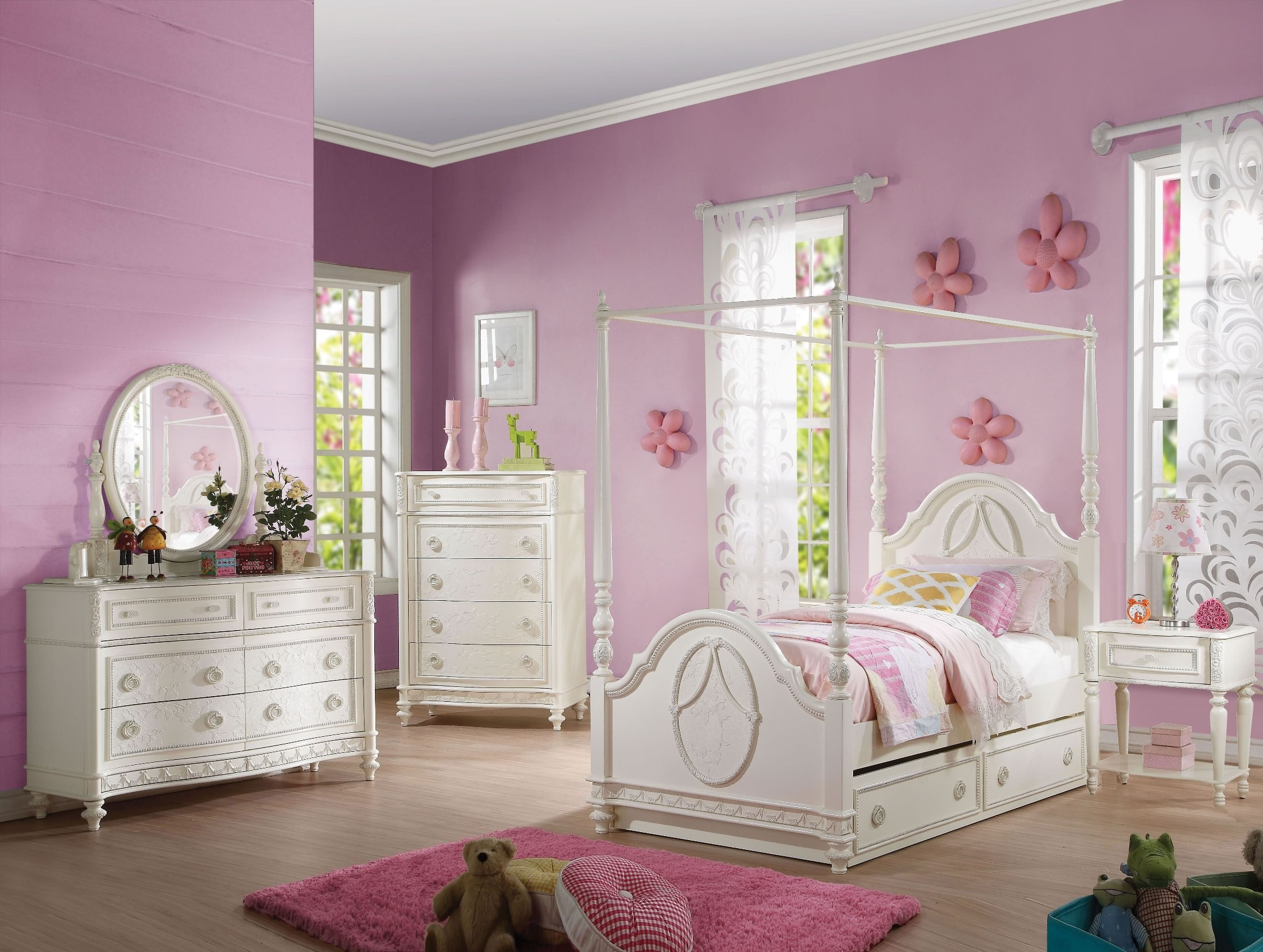 Dorothy Ivory Youth Canopy Bedroom Set