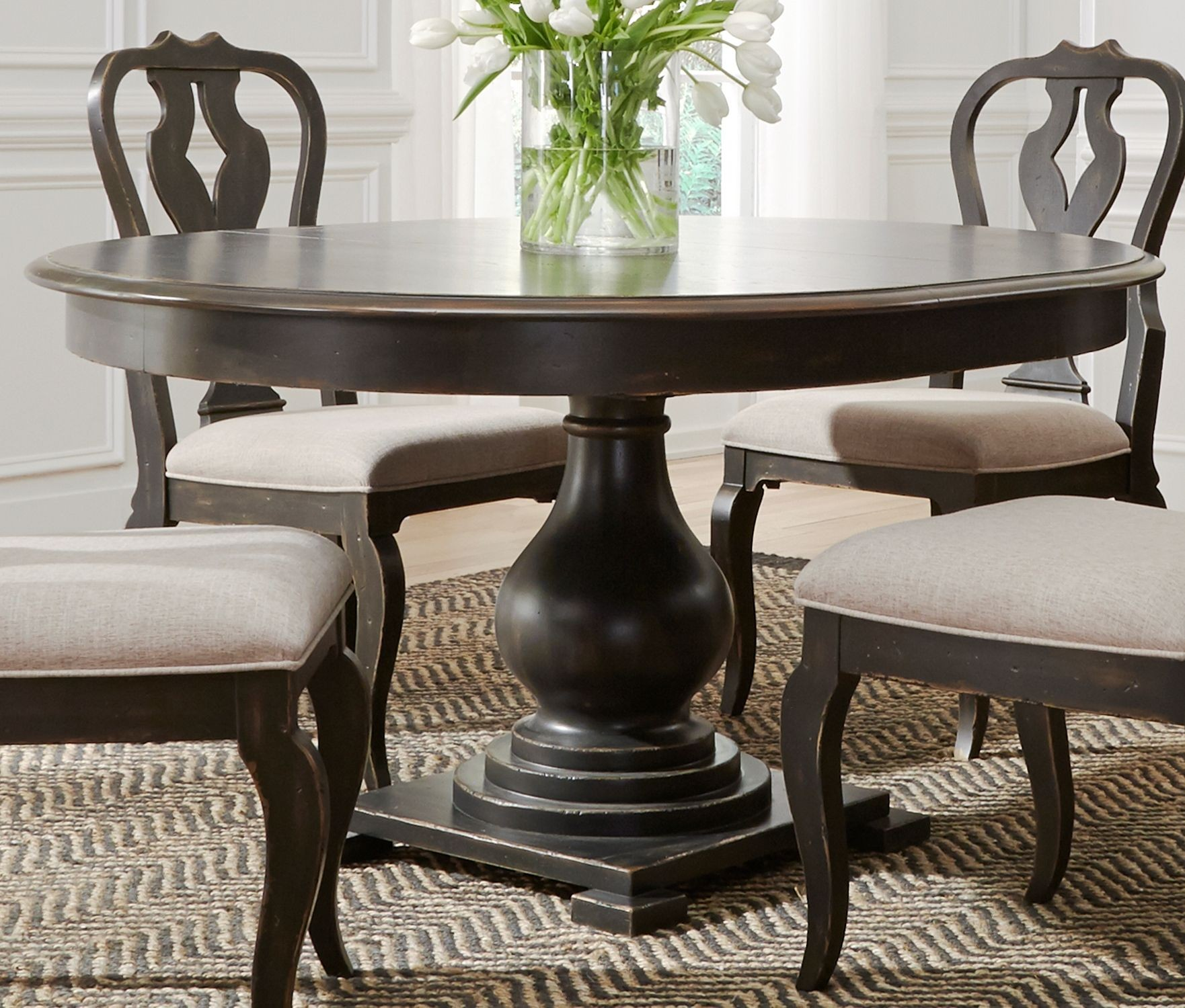 Kitchen Tables Black: Chesapeake Antique Black Extendable Round Dining Table