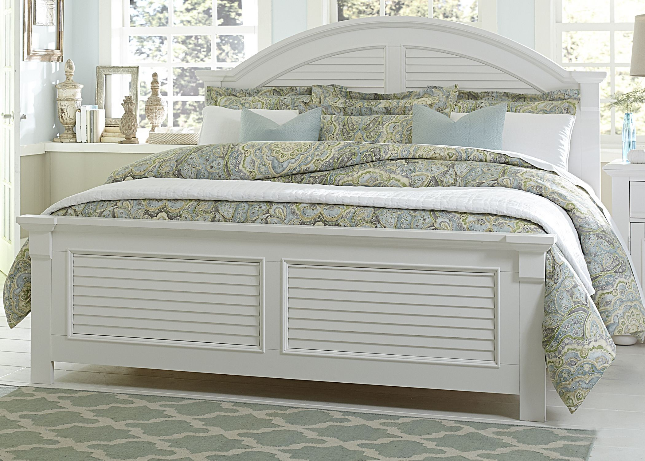 Summer House Oyster White Panel Storage Bedroom Set Media Gallery 1