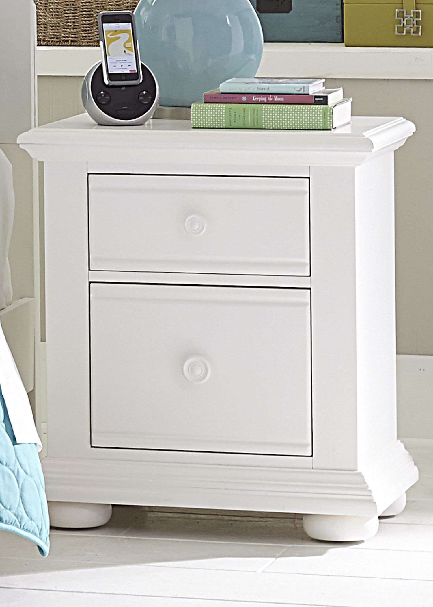 Summer House Oyster White Panel Storage Bedroom Set Media Gallery 2