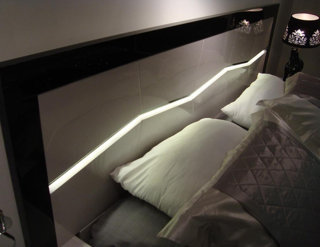 Jm Turin Light Grey And Black Lacquer Platform Bedroom Set Turin