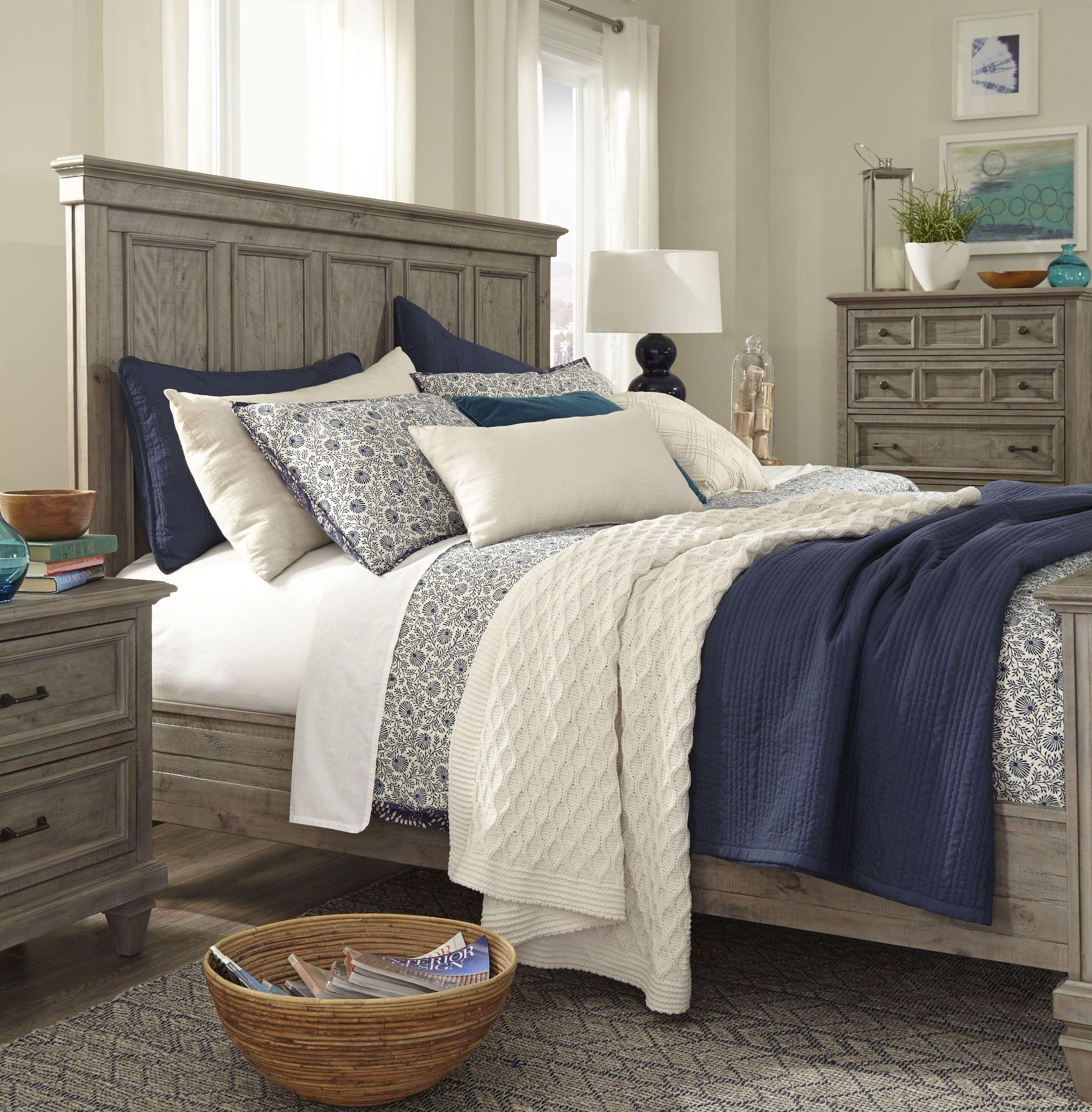 Lancaster Dovetail Grey Queen Panel Bed