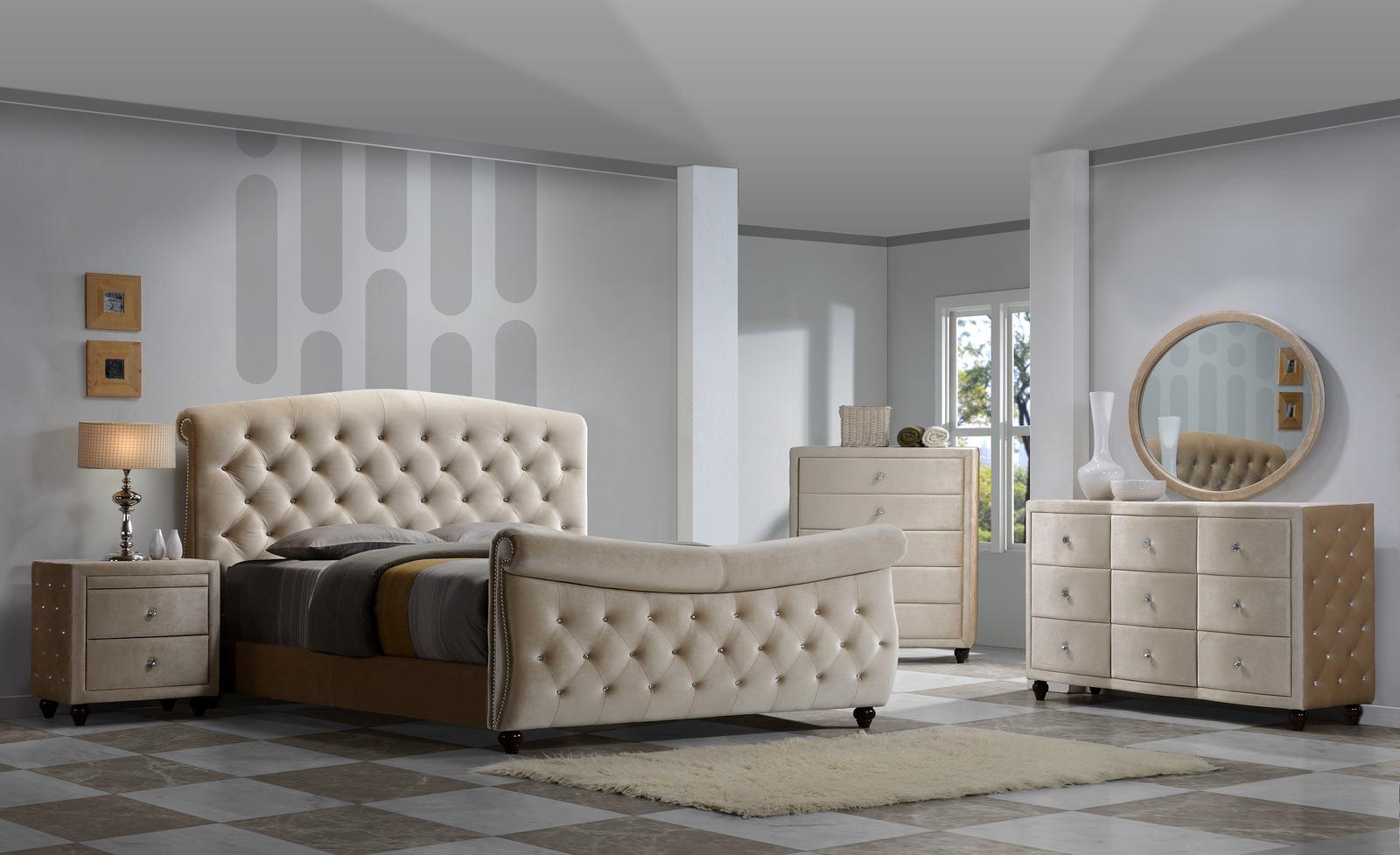 Exceptionnel Meridian Diamond Sleigh Bedroom Set In Golden Beige