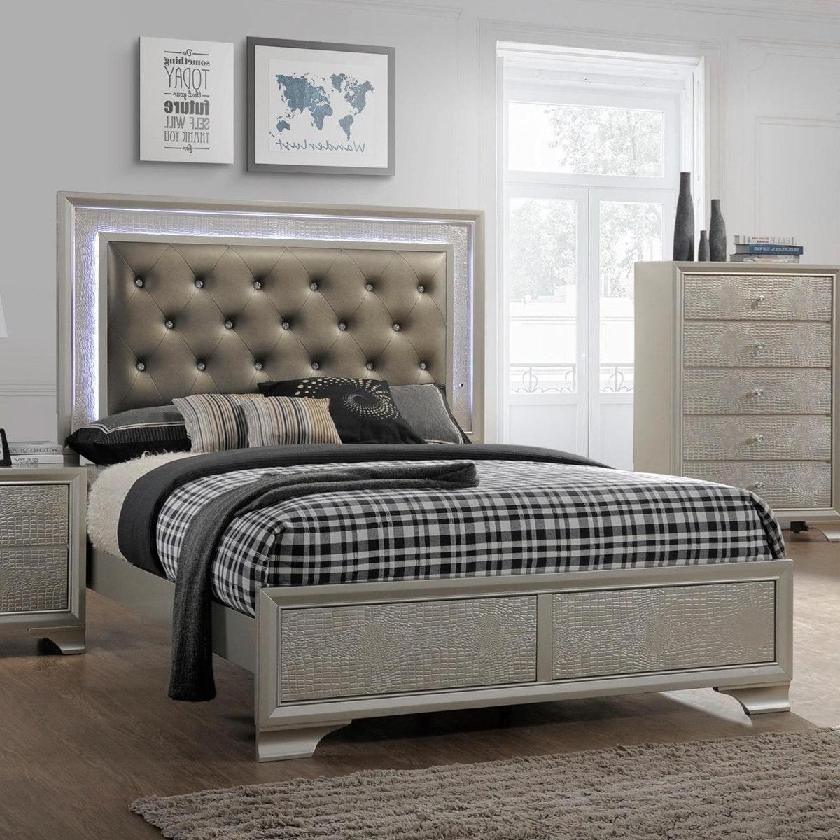 Crown Mark Lyssa Queen Upholstered Panel Bed In Embossed